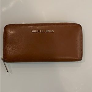 MK Wallet brown leather preowned